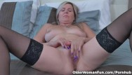 Velvet bbw Canadian milf velvet skye gives her pussy a workout with fingers