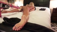 Egales and dick chick Amateur milf fucks stryker dildo machine with anal beads spread eagle