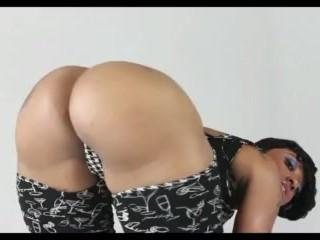 Cherokee shaking that big ass