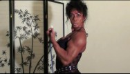 Fbb muscle naked - Bodacious biceps by fbb latia del riviero home workout