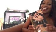 Webcam erotique amateur Asmr français - lecture sensuelle - histoires érotiques - french