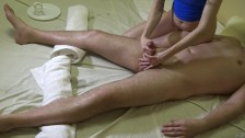 Сексуальный массаж для него с контролем оргазма он кончил на мою ногу