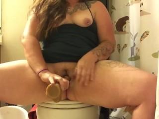 Squirting bathroom break