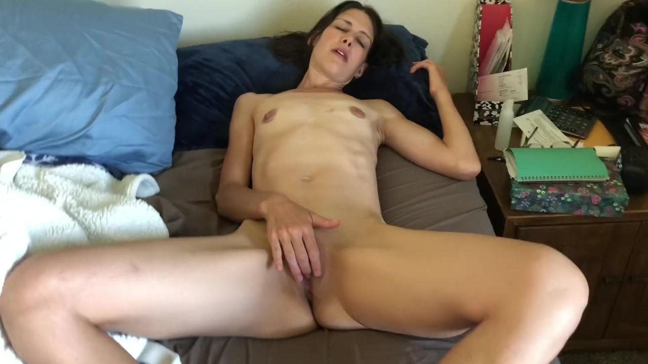 Рано утром мастурбация