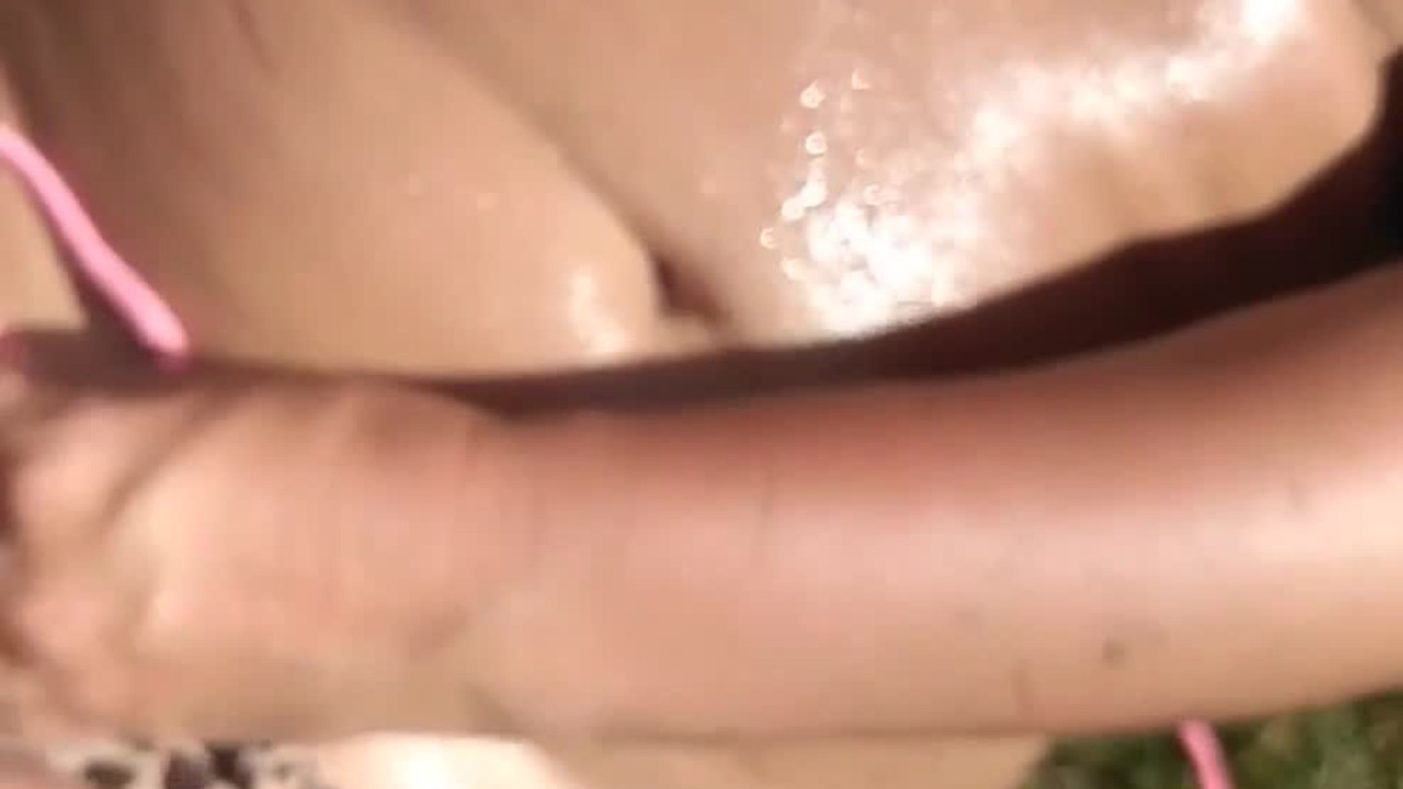 Бикини дворе весело и сперму спермы на нее с конструктионкрев за дверью