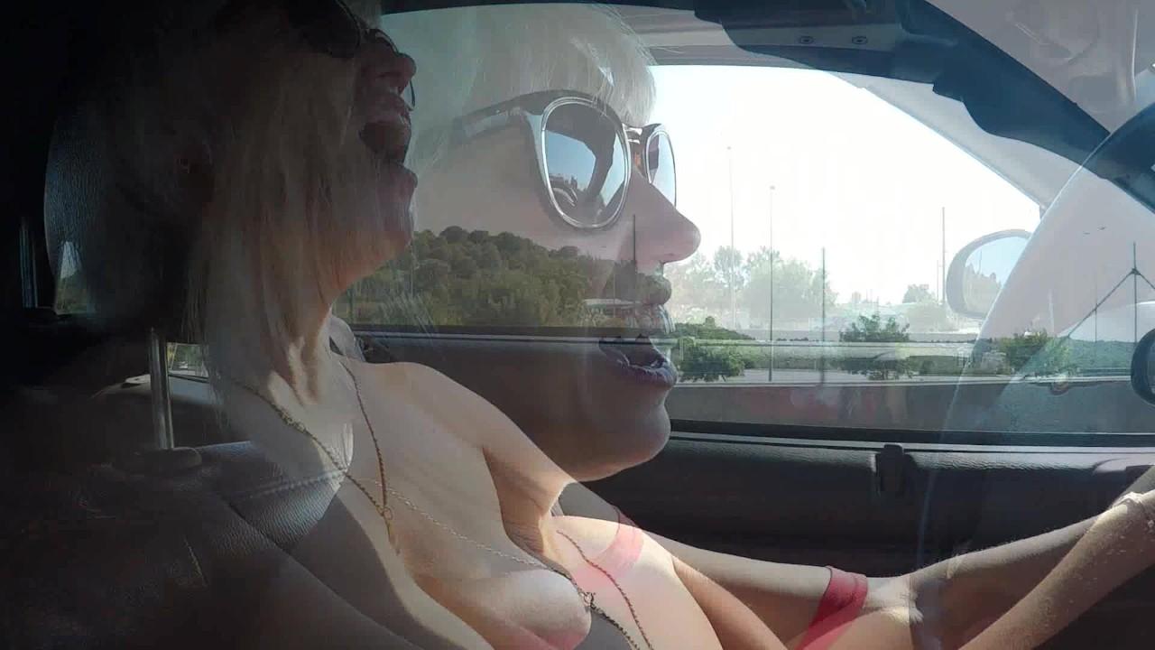 Фантастический оргазм на автостраде во время вождения