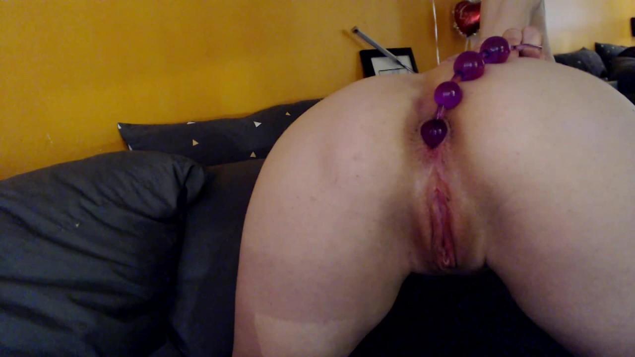 Анальный бусы оргазм-маленькая афина ашер заполняет ее туго мачо и кончает жестоко