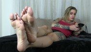 Erotic sound waves Kleio valentien ignores you while she plays on her phone she waves her feet