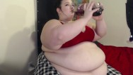 2 liter bottle insertions porno vids - Ssbbw chugging and burping 2-liter soda bloat veronika jade