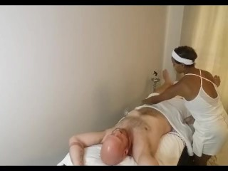 African Massage Therapist gives American Hunk happy ending @SiaBigSexy