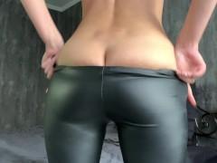 Mädchen Tight Pants Gets Gefickt