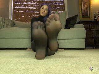 Kylie Jacobs Teasing Her Sexy Pantyhose Feet JOI