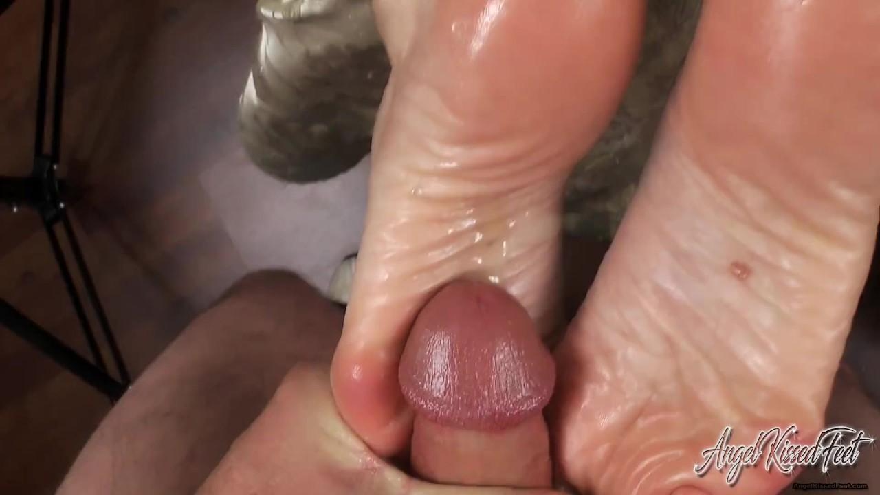 Nikki Ashton Feet Worship