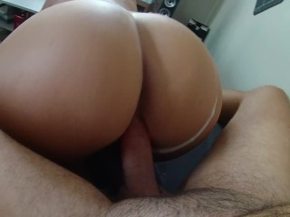 Best POV of a french milf who gets fucked on the sofa !