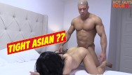 Girls fuck dogs - Superstar bodybuilder fucks his roomates asian girl. damn dog