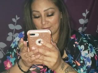 suck and fuck thick sexy Latina (Camera 1 of 2)