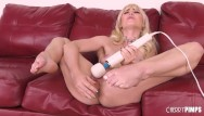 Guy on sybian xxx Blonde solo masturbates with toys and riding sybian in live show