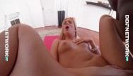 Penis monster giant - Vr blondie candee licious rides giant crazy monster big cock in pov