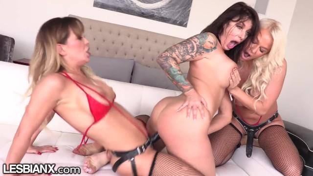Ivy Lebelle s First Lesbian DP! - LesbianX