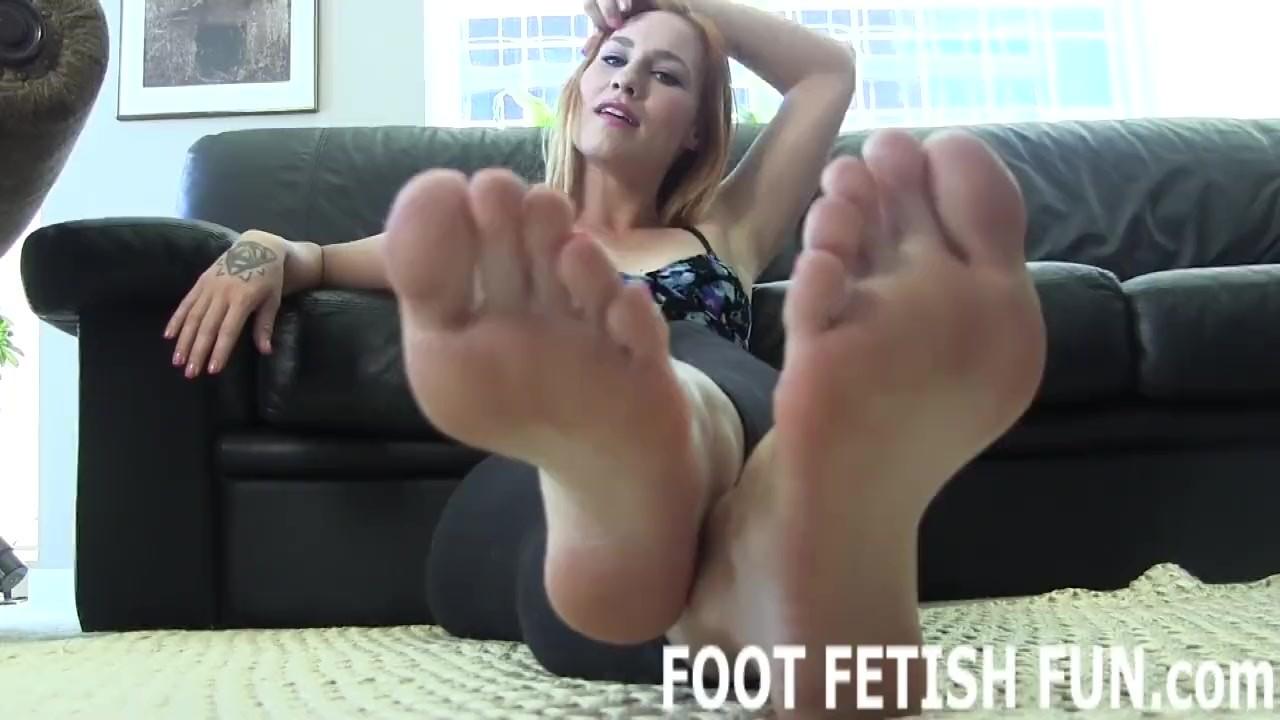 Femdom Foot Worship