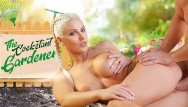 Free iran photo porn Vrconk blonde gardener has a special gift for you vr free porn