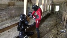 Latex Rubber Slave Lesbian Girls Bizarre Pissing Games Heavy Gas Mask Piss