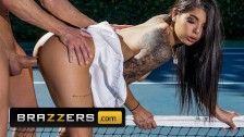 Brazzers - Small tit athletic Gina Valentina gets fucked outdoors