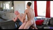 Dwight price gay dad - Princeton price finds his roomates dildo - nextdoorraw