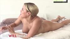 She will cheat - Cucking Wife Luna star gets deep massage