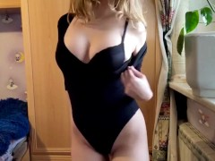 Hot Babe Dances A Striptease And Fucks Herself With Her Fingers