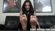 Free iphone foot porn Foot worshiping and foot fetish tube porn