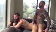 Headbanger mosh gay Hot muscle daddy feeds hungry bottom with his big cock