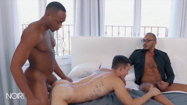 Icon Male - Trent King gives to his bf Nic Sahara for extra fun