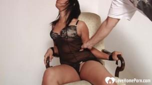 Мужик связал жену для само мазо наказания, видео порно жопы бдсм