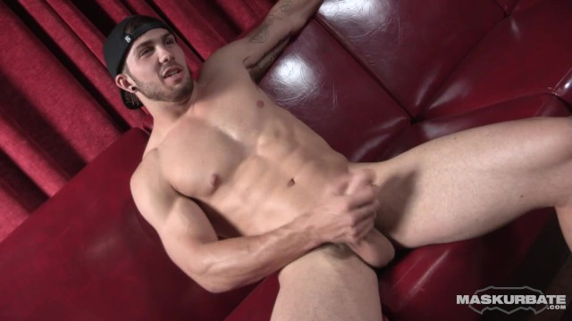 Maskurbate - Hot Muscle Hunk Shows Off & Masturbates In Male Strip Club