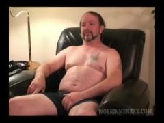 Sexy Mature First-timer Chuck Jerking Off