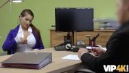 Ohio escort agencies Vip4k. une jeune fille sans emploi vient dans une agence de prêt et se salit