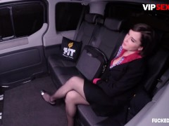 Fucked In Traffic - Anabell Evans Buxomy Biz Dolls Stiff Fuck-a-thon With Insatiable Chauffeur In The Car