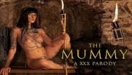 Huge itss porn stars Fucking curvy babe billie star as anck-su-namun in the mummy a xxx parody