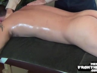 Cockteased southern amateur cums after massage