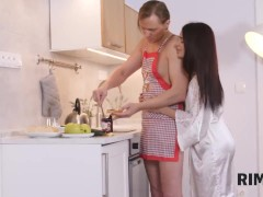 Rim4k. Intense Wish To Have Intercourse Crams The Married Duo In The Kitchen