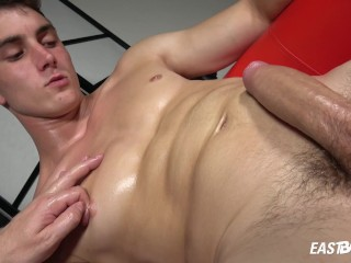 Exclusive Casting – Hot Twink