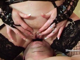 Red gets her revenge by face sitting and dominating