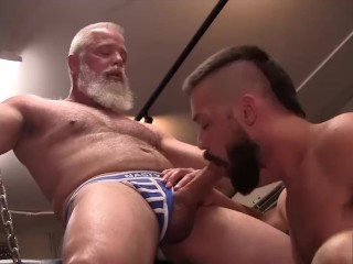 Older Daddy Pounds young Bottom with his Raw Cock in Public Bathhouse
