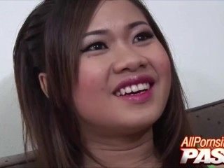Eve Shows That Hot Asian Body And Pussy
