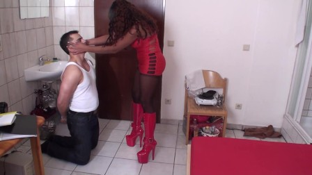 ebony goddess face slaps white whipping boy