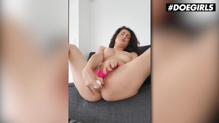 DoeGirls - Gia Ren Hot Spanish Model Makes Her Pussy Cream From Intense Dildo Masturbation At Home