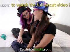 Sts - Horny Gamer Babe Fuck Eachother