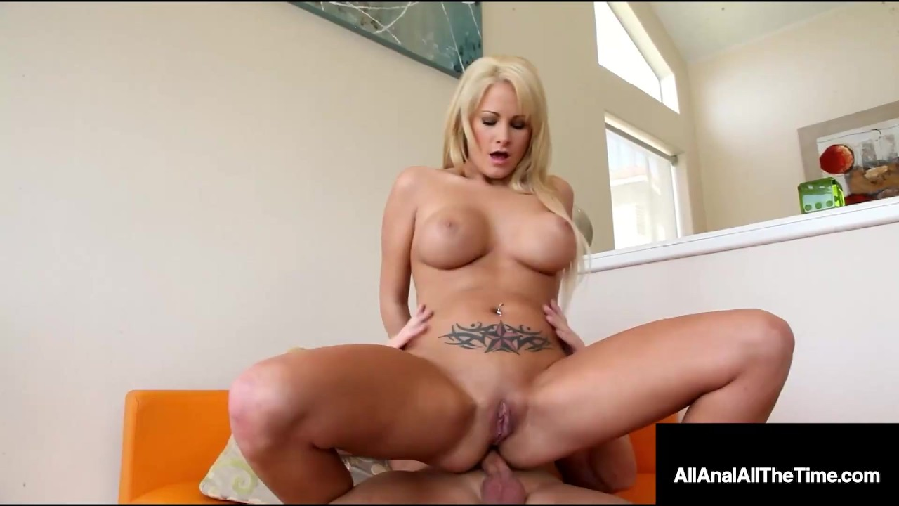 Fit Blonde Chick Jessica Nyx Takes A Big Dick In Her Tight Little Ass Hole!