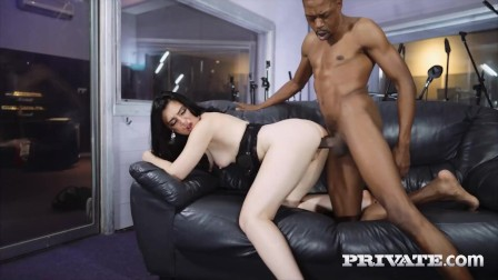 PRIVATE com - Cougar Roxee Couture Gets Her Pussy Eaten And Dicked By BBC!